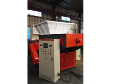 Cina 55 Kw Plastic Recycling Shredder Machine Hard Tooth Surface Reducer Industrial pabrik